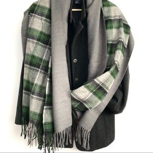 NWT Indigo Set 2 Scarves Grey Green